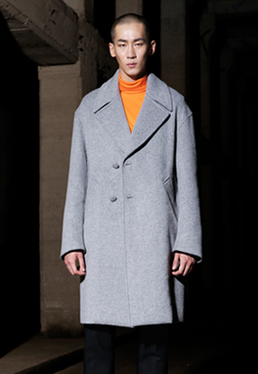 Trwa트와 Oversize Coat Light Gray