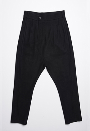 Byungmun Seo병문서 Asymmetrical Crotch Trouser Black