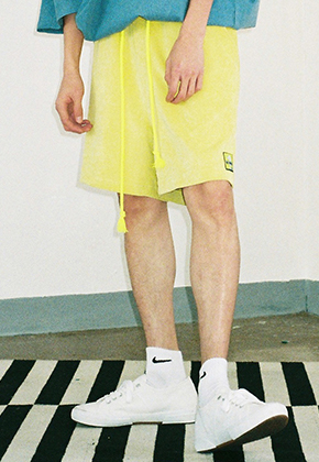 AJO BY AJO아조바이아조 Corduroy Short Pants (Lime)