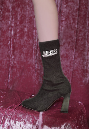 DIM.E.CRES.딤에크레스 EMBROIDERY KNIT HEEL BLACK