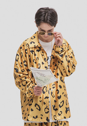WKNDRS위캔더스 LEOPARD COACH JACKET (YELLOW)