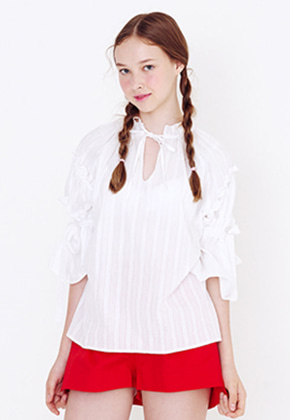 Margarin Fingers마가린핑거스 GATHER SLEEVE BLOUSE