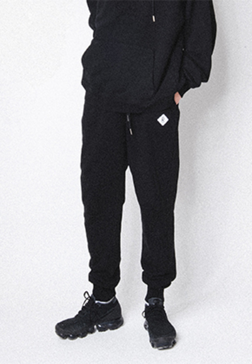 Realization리얼라이제이션 Diamond Logo Jogger Pants[BLACK]