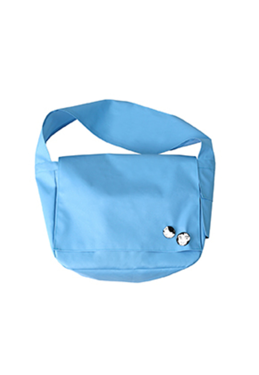 AJO BY AJO아조바이아조 Plain Messenger Bag [Sky Blue]