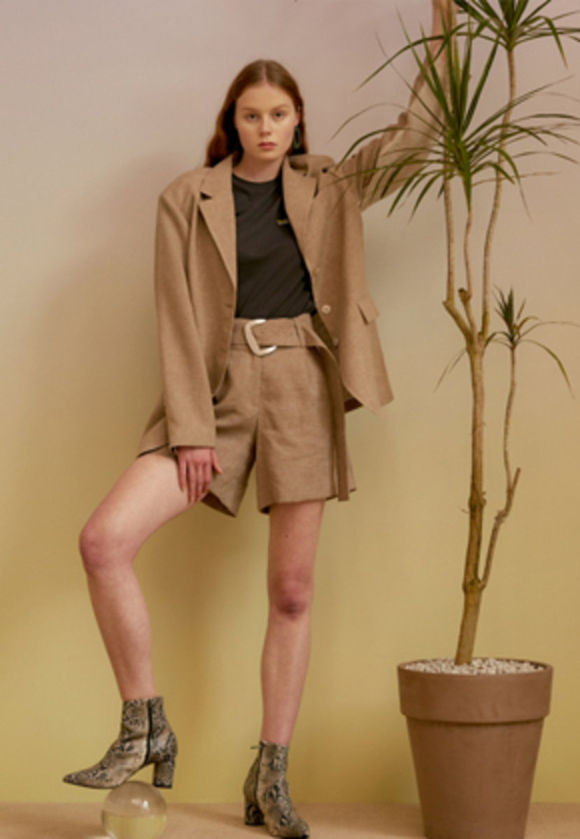 Anderssonbell앤더슨벨 MARITA BELTED LINEN SHORTS apa236w(M/Brown)