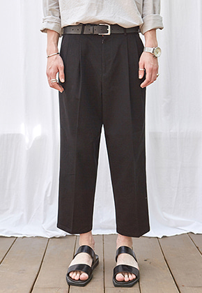 Yan13얀써틴 CROP WIDE TAPERED-FIT PANTS_BLACK