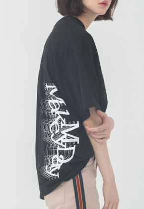 Romantic Crown로맨틱크라운 Overlap Logo T Shirt_Black