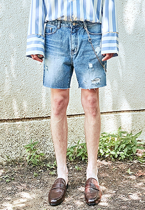Yan13얀써틴 BLUISH DAMAGE DENIM SHORTS_DENIM
