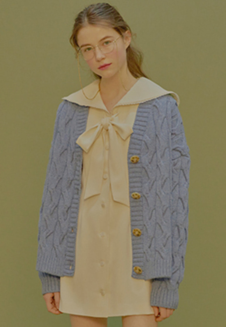 Margarin Fingers마가린핑거스 CABLE KNIT CARDIGAN (BLUE)