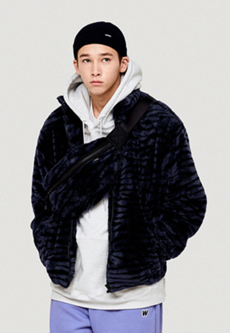 WKNDRS위캔더스 TIGER FUR PATTERN JK (NAVY)