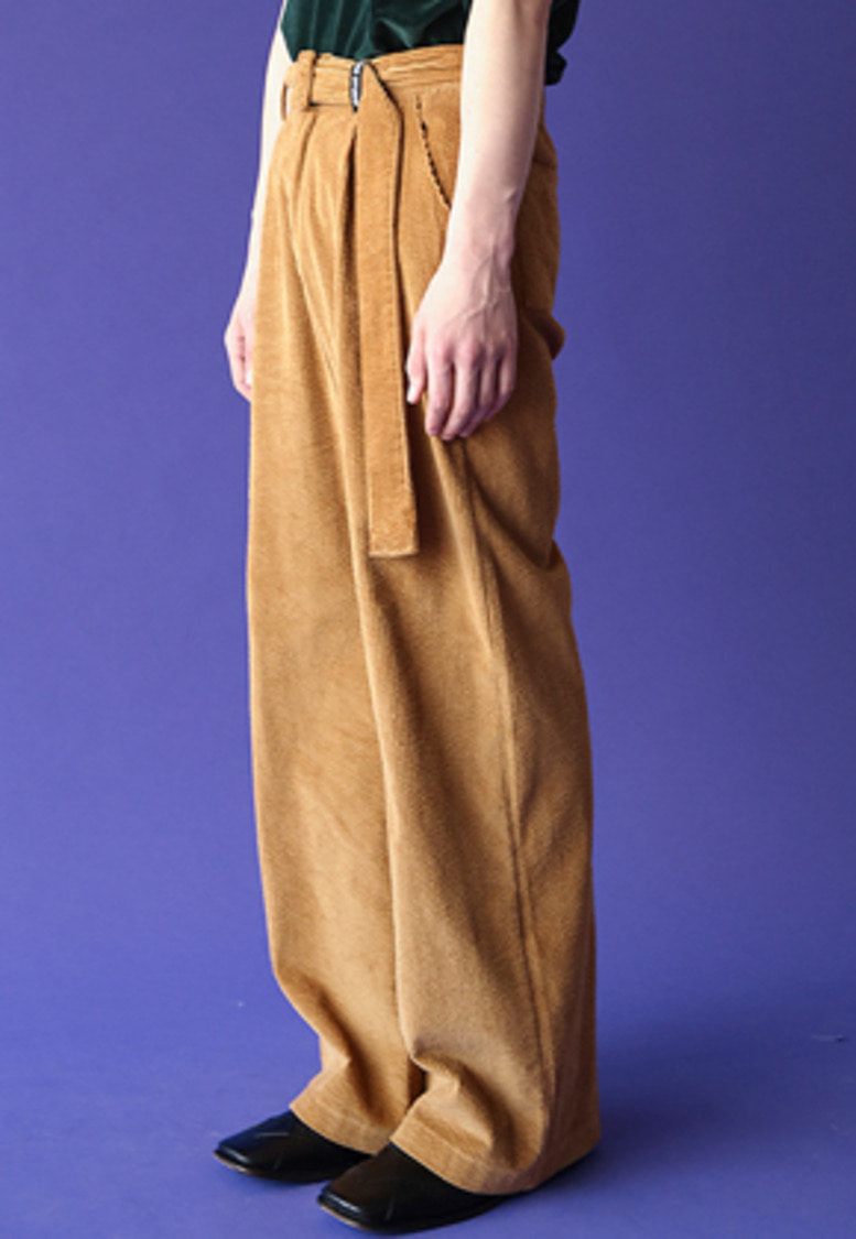 ESC Studio이에스씨스튜디오 Corduroy wide pants ( beige)