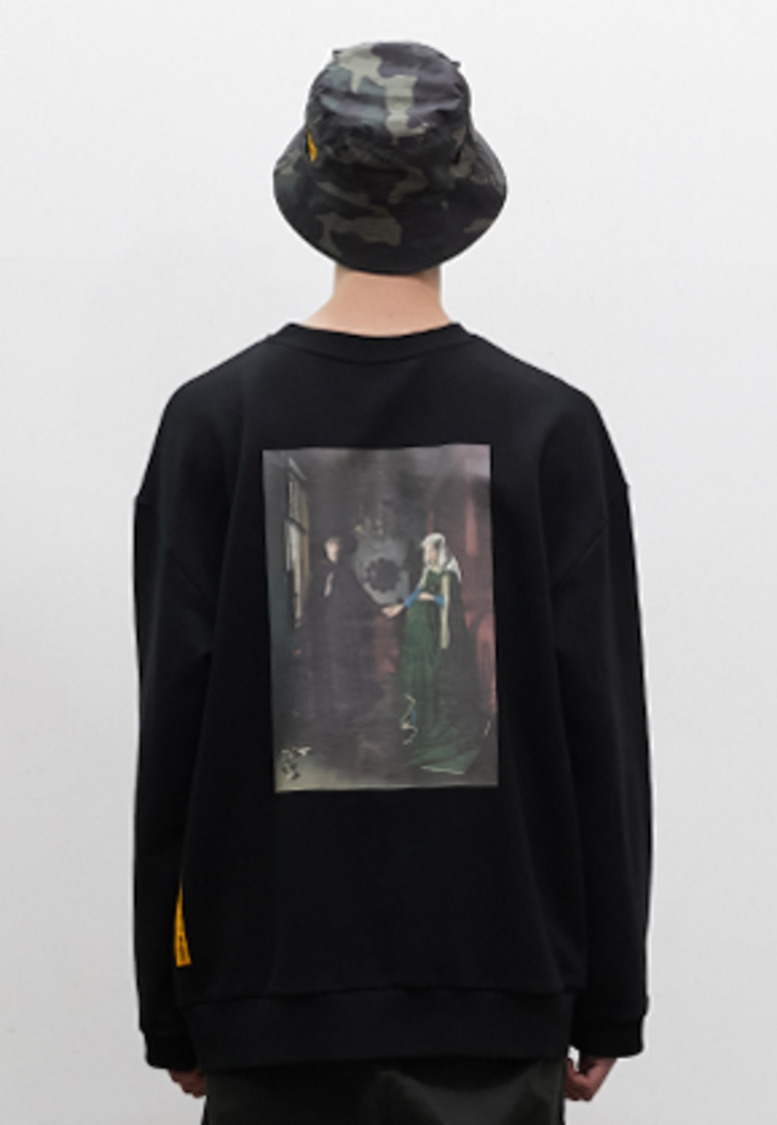 SNACKCULTURE스낵컬쳐 Arnolfini Portrait Oversized Sweatshirt_Black