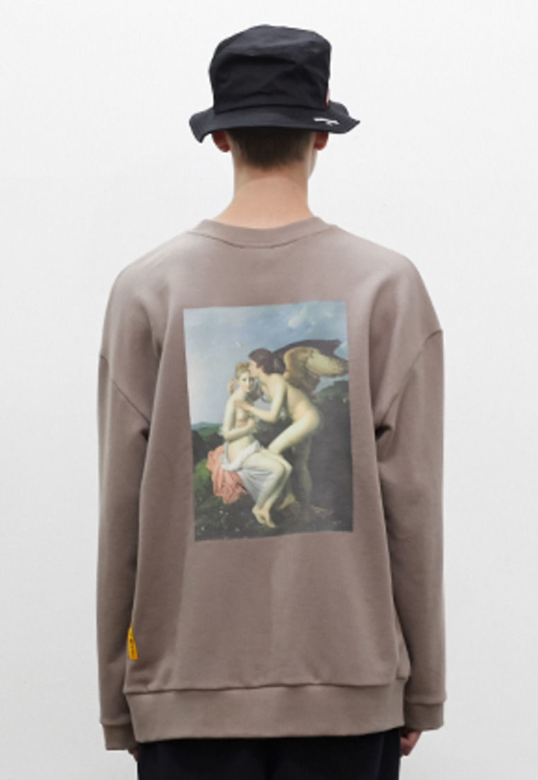 SNACKCULTURE스낵컬쳐 Cupid and Psyche Oversized Sweatshirt_Beige