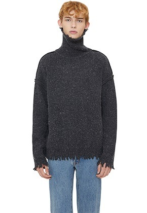 Lab101랩원오원 CHARCOAL NOMAD REVERSED TURTLE SWEATER