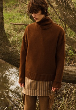 Anderssonbell앤더슨벨 UNISEX CASHMERE TURTLE NECK SWEATER atb250u(Brown)