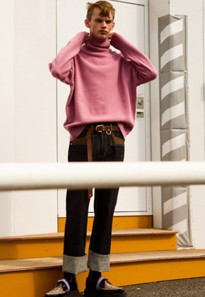 Anderssonbell앤더슨벨 UNISEX CASHMERE TURTLE NECK SWEATER atb250u(Pink Purple)