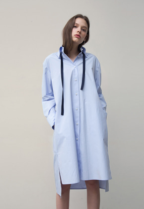 PART OF UNIVERSE파트 오브 유니버스 Side Pocket Shirts Dress (Blue)
