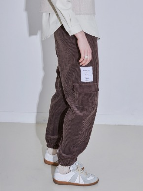 More or Less모어올레스 CODUROY JOGER PANTS - BROWN