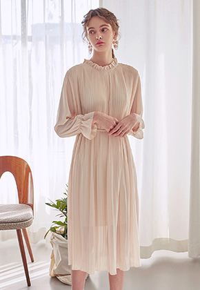 Yan13얀써틴 PLEATS CHIFFON LONG OPS_CREAM