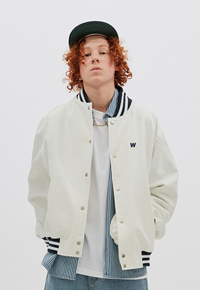 WKNDRS위캔더스 RETRO STADIUM JACKET (WHITE)