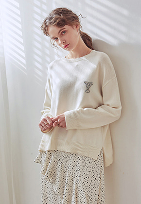 Yan13얀써틴 UNBAL R-NECK KNIT_CREAM