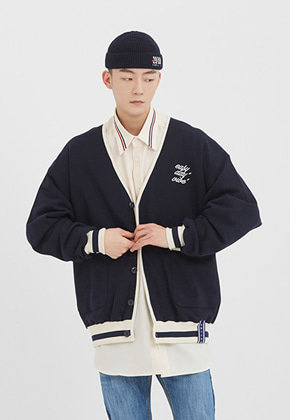Romantic Crown로맨틱크라운 E.D.V Button Cardigan_Navy