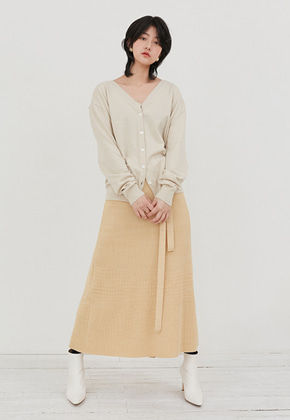 Raye Tog레이토그 LIGHT BEIGE V-NECK CARDIGAN