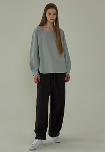 More or Less모어올레스 SQUARE NECK BLOUSE - LIGHT BLUE