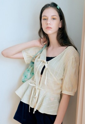 Margarin Fingers마가린핑거스 Volume ribbon blouse (YE)