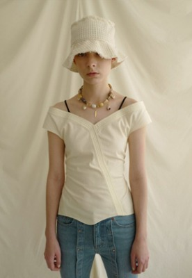Anderssonbell앤더슨벨 JUNE OFF-SHOULDER BLOUSE atb326w(Ivory)