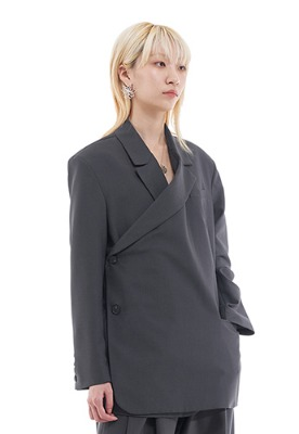 Vuiel뷔엘 TWISED DOUBLE BRESATED BLAZER _ CHARCOAL