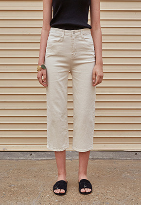 Yan13얀써틴 STRAIGHT COTTON CROP PANTS_CREAM