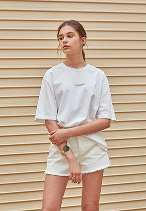 Yan13얀써틴 PATCH LOGO HALF T-SHIRTS_WHITE
