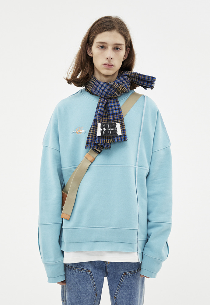 Anderssonbell앤더슨벨 ASYMMETRY STITCH POINT SWEATSHIRTS atb266u(SKY BLUE)