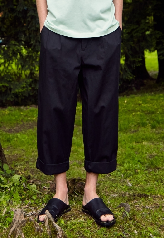 Garment lable가먼트레이블 Two-tuck Wide Pants - Black