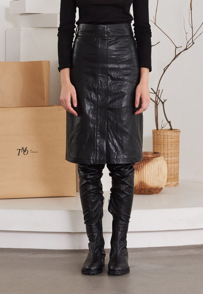 TMO BY 13Month 티엠오 바이 써틴먼스 TWO POCKET LEATHER SKIRT (BLACK)