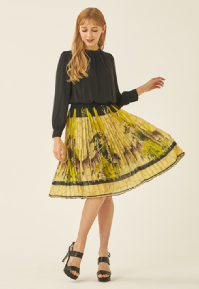 Tactfulkiosk탁풀키오스크 CHIFFON PLEATS DRESS-YL