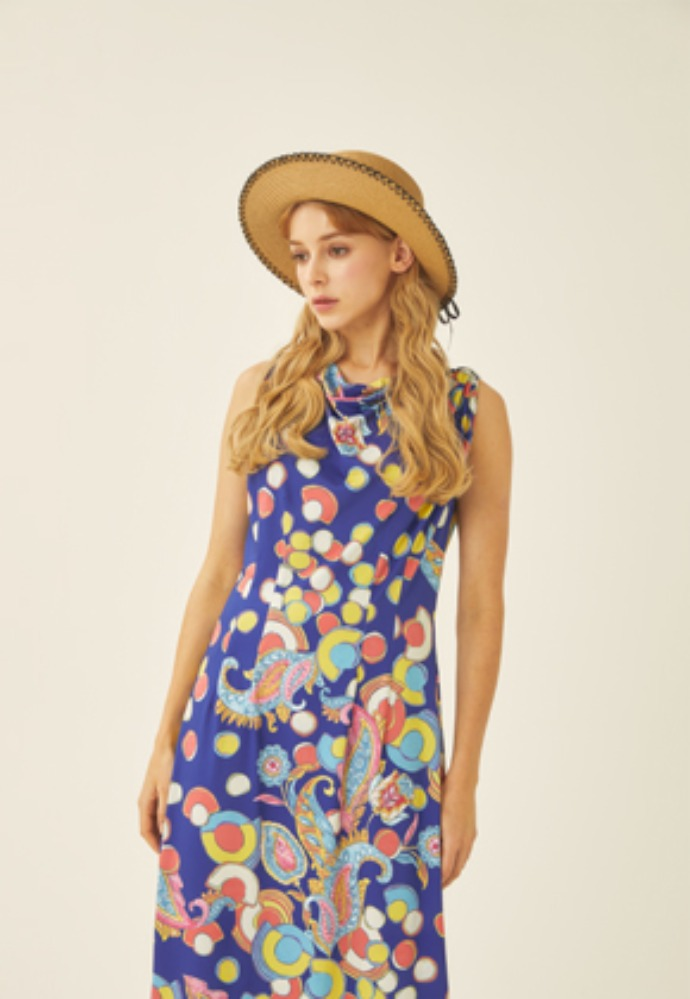 Tactfulkiosk탁풀키오스크 SLEEVELESS PRINTED MAXI DRESS-BL
