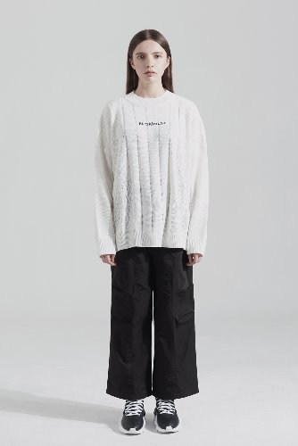 Bienkimiiye비안키미이예 All over signiture knit (WHITE)