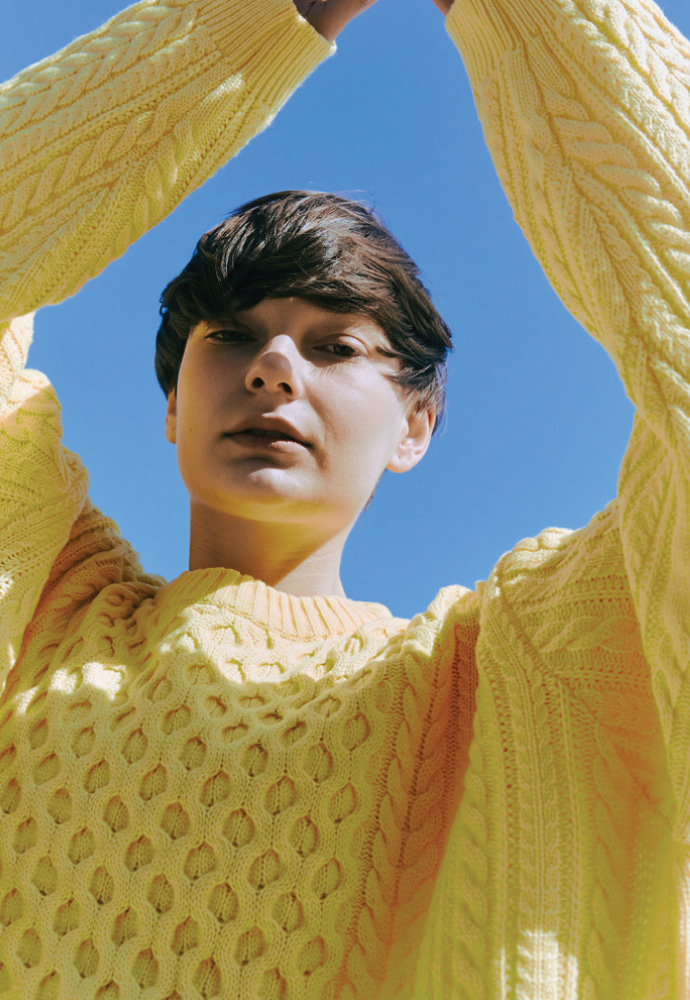 ORDINARY PEOPLE오디너리피플 OVERTWIST PATTERN YELLOW SWEATER
