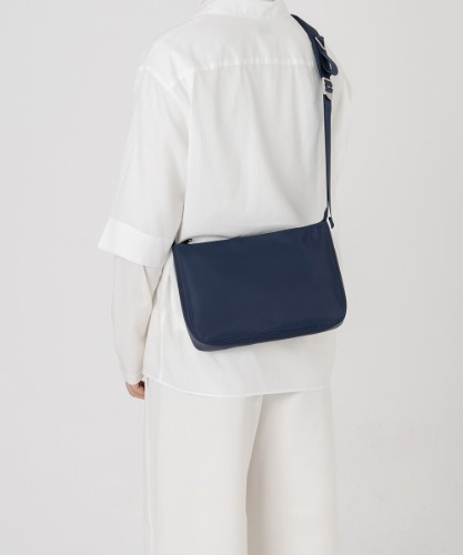 HAH ARCHIVE하 아카이브 NAVY NYLON I-PAD BAG
